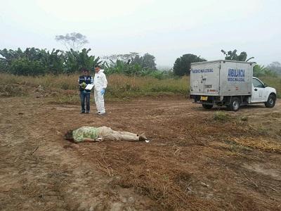 Hallan un cadáver en terreno baldío de Santo Domingo de los Tsáchilas