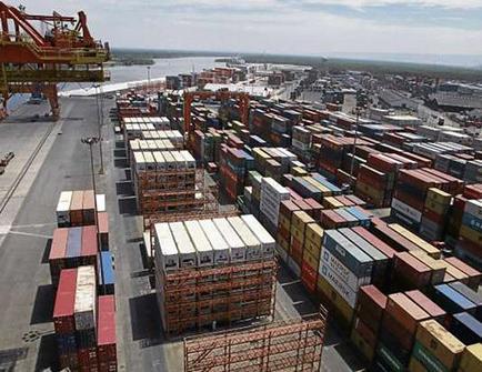 Correa dice que el puerto seguirá operando