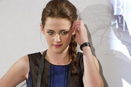 Kristen Stewart busca retomar sus estudios