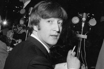 Subastarán chaqueta de John Lennon de 1960