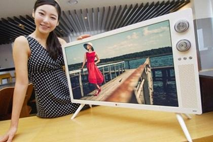 LG fusiona la TV de pantalla plana con la de la década del 70