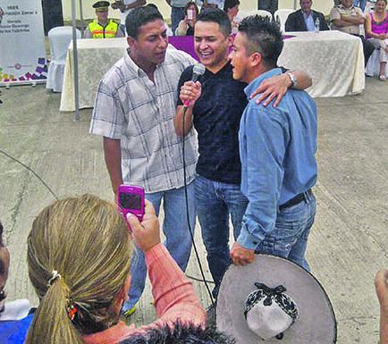 Jorge Celedón compartió con los reos de la cárcel El Rodeo
