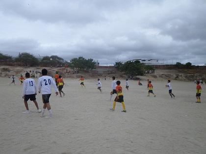 Estudiantes del colegio '4 de Noviembre' desarrollan olimpiadas