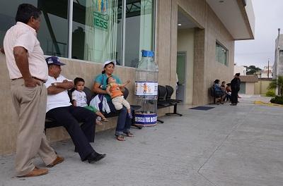12 personas fueron separadas de la Dirección del IESS de Santo Domingo