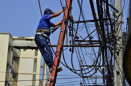 Suspenderán servicio eléctrico en varios sectores de Manta