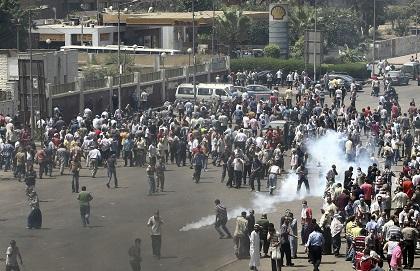 El Gobierno llama a consultas a su embajador en El Cairo por crisis en Egipto