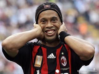 Ronaldinho se realizó cirugía en los dientes