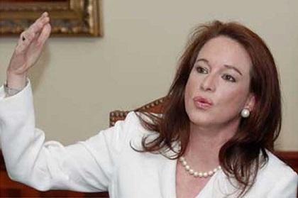 Ministra de Defensa viaja a Brasil para fortalecer integración