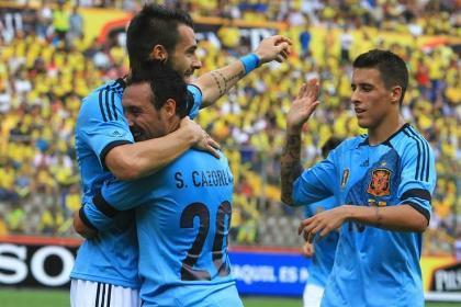 España venció 2-0 a Ecuador en el 'Partido del Siglo'