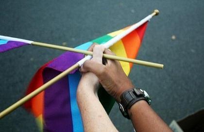 Pentágono extiende beneficios a parejas homosexuales en Estados Unidos