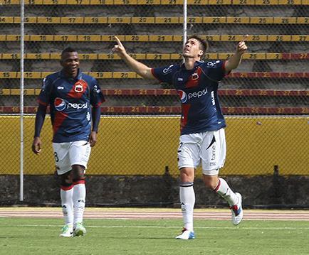 Nieto, un goleador que  no baja su revolución