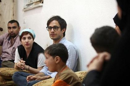 Gael García Bernal visita a familias sirias refugiadas en Jordania