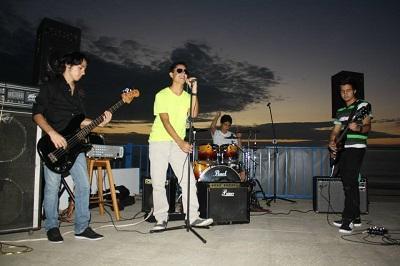 Cuatro adolescentes forman el grupo musical Ruta 55