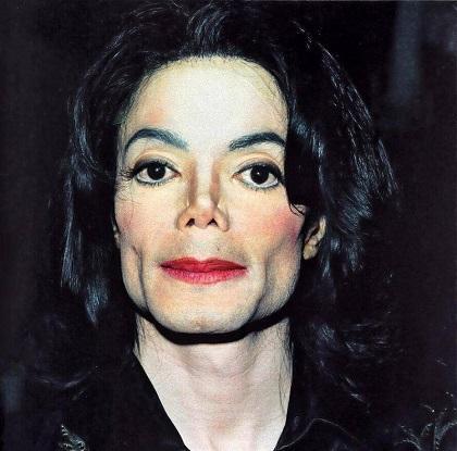 Michael Jackson se comparaba con el hombre elefante, según su exmujer