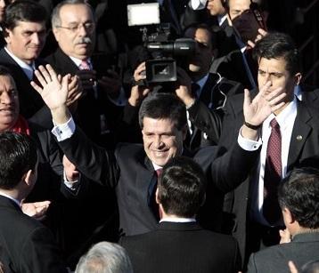 Horacio Cartes se posesiona como presidente de Paraguay
