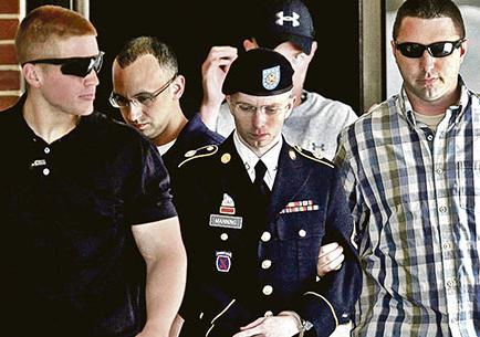 Manning pide perdón a EE.UU.