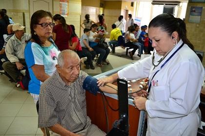 Reconocen que el hospital del IESS Portoviejo está saturado