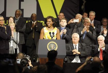 Michelle Obama cree que EE.UU. está preparado para tener una mujer presidenta