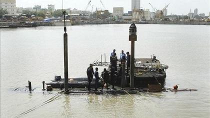 Recuperan cinco cadáveres del submarino militar siniestrado en India