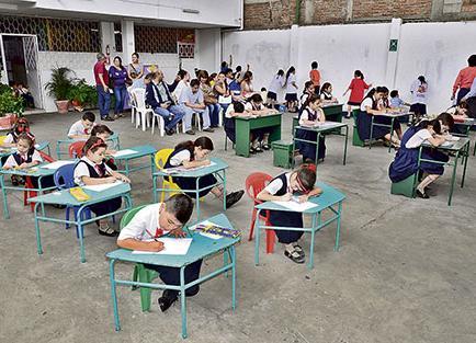 Escuela festeja aniversario