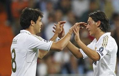 El Manchester podría ofrecer $73 millones por Ozil y Kaká