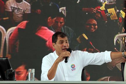 Presidente Correa anuncia el cierre de 9 embajadas por falta de reciprocidad