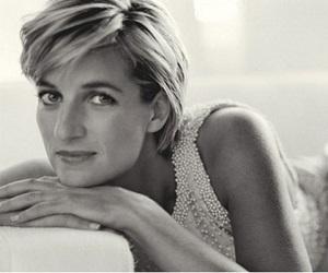 Evalúan nueva información sobre la muerte de Diana de Gales
