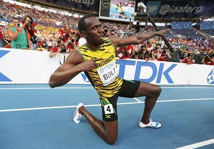Bolt logra su tercer título mundial por los 200 metros