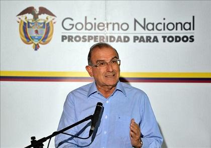 Negociadores de paz colombianos viajaron a Cuba a reanudar diálogos con FARC