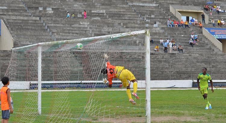 Liga de Portoviejo vence 4 - 0 al Águilas en Sto. Domingo