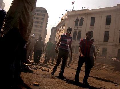 Senador estadounidense McCain insiste en suspender ayuda a Egipto