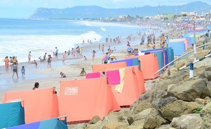 Realizarán minga para limpiar la playa de Crucita