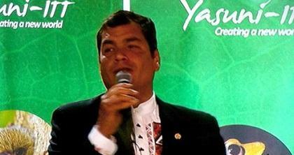 Correa señala politización de Yasuní y propone diarios digitales para 'ahorrar papel'