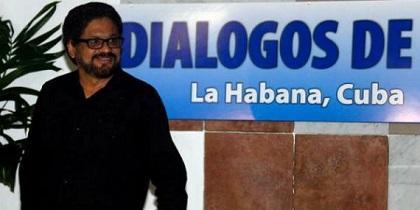 Gobierno y FARC retoman diálogo de paz para avanzar en participación política