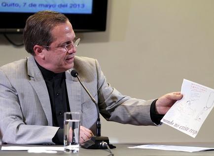 Canciller Patiño dice que Ecuador va a 'demostrar las falsedades' de Chevron