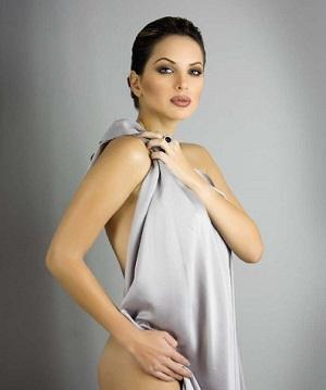 Érika Vélez invierte su tiempo en obra teatral
