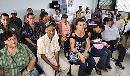 20130921120000_ecuador-sera-sede-de-foro-de-minist_tn1.jpg