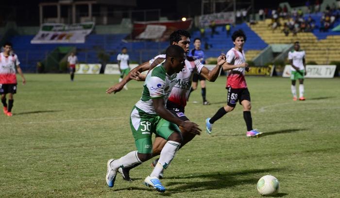 Liga de Portoviejo le ganó 2 a 1 a Águilas de Santo Domingo