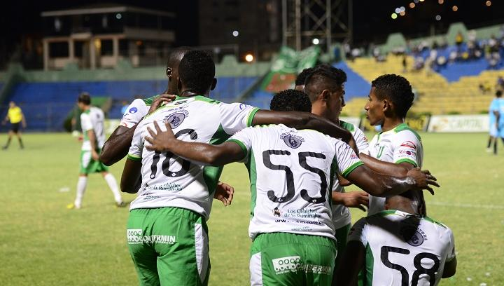 Liga de Portoviejo clasificó al hexagonal final tras triunfar en el Reales Tamarindos