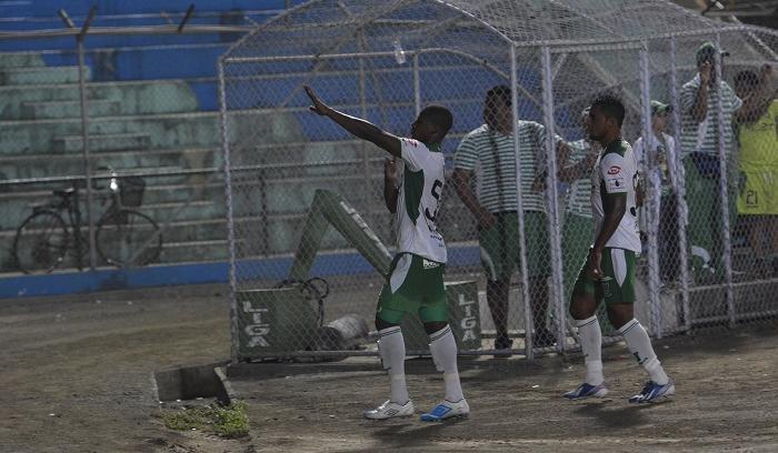 Liga de Portoviejo goleó 4 - 0 a Cumandá en el primer partido del hexagonal de Ascenso