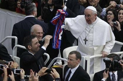 El club San Lorenzo entregará mañana la copa de campeón al papa Francisco
