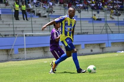 Delfín se enfrenta esta noche a Liga de Portoviejo en el Reales Tamarindos