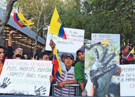 Ecuatorianos pueden demandar a Chevron