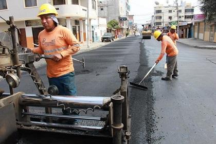 Repavimentan tramo de la calle 15 y avenida 24