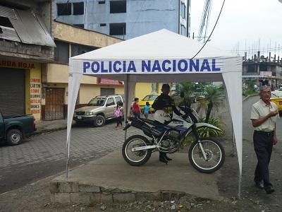 Carpa policial brinda un cambio positivo al sector de las calles Guayaquil y Cuenca