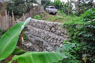 Muros de contención evitarán deslizamientos en el sector La Cadena