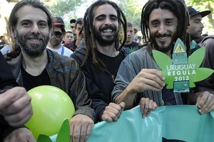 Uruguay es 'el país del año', por ser pionero en la legalización de la marihuana
