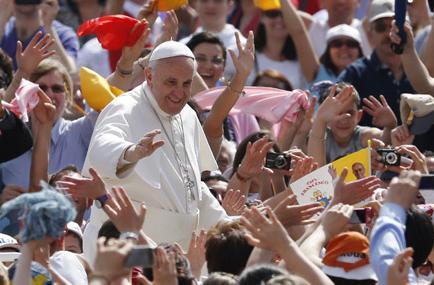 El papa reunió a un millón y medio de fieles en sus primeros 9 meses de labores