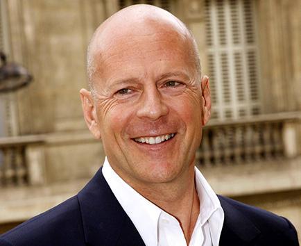 Bruce Willis celebra que será padre por quinta vez