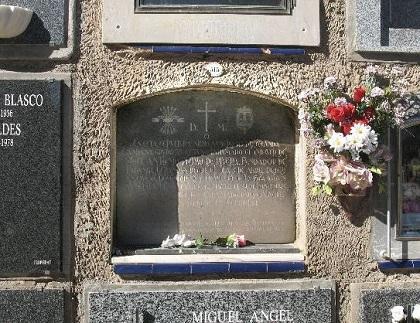 Hombre canjea su vivienda por un nicho en el cementerio